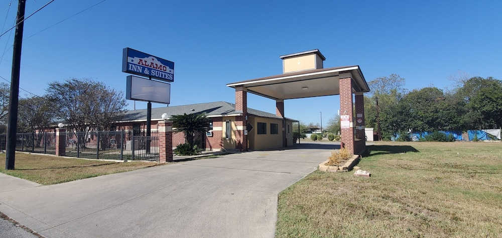 Front of Property, Alamo Inn & Suites Downtown
