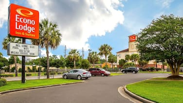 Econo Lodge Inn & Suites Beaumont