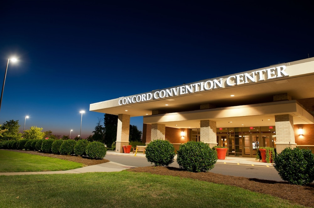 Front of Property - Evening/Night, Embassy Suites by Hilton Charlotte-Concord-Golf Resort & Spa