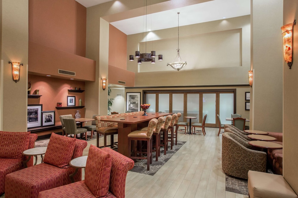 Lobby, Hampton Inn & Suites Yuba City