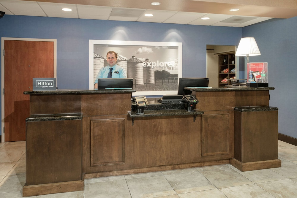 Reception, Hampton Inn & Suites Yuba City