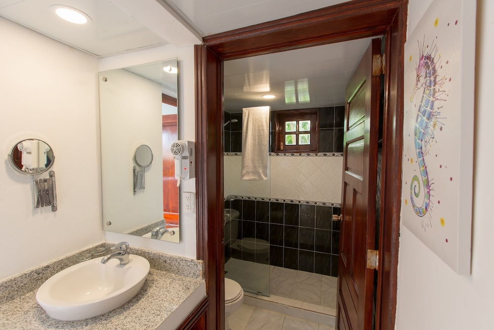 Bathroom, whala!bavaro - All inclusive