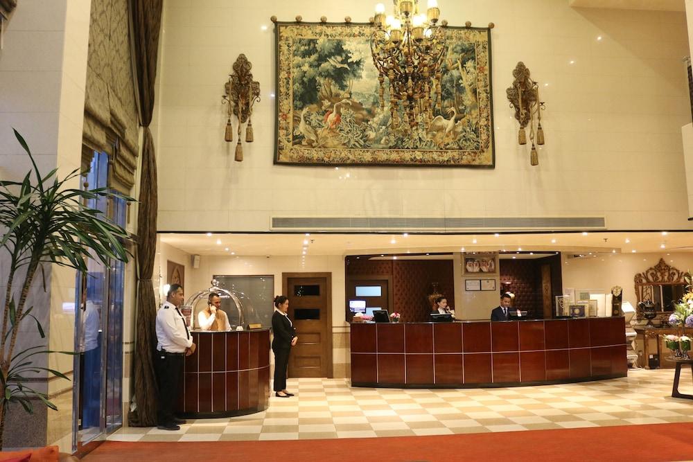 Elite Seef Residence & Hotel: 2019 Room Prices $88, Deals