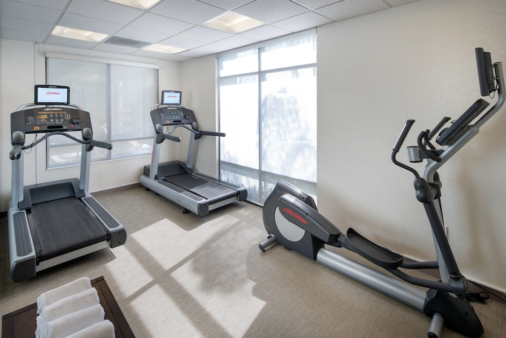Fitness Facility, SpringHill Suites by Marriott Bakersfield