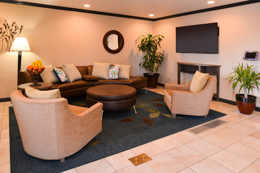 Lobby, Candlewood Suites Boise-Meridian