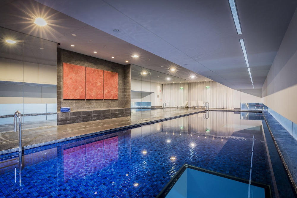 Indoor Pool, Fraser Suites Sydney