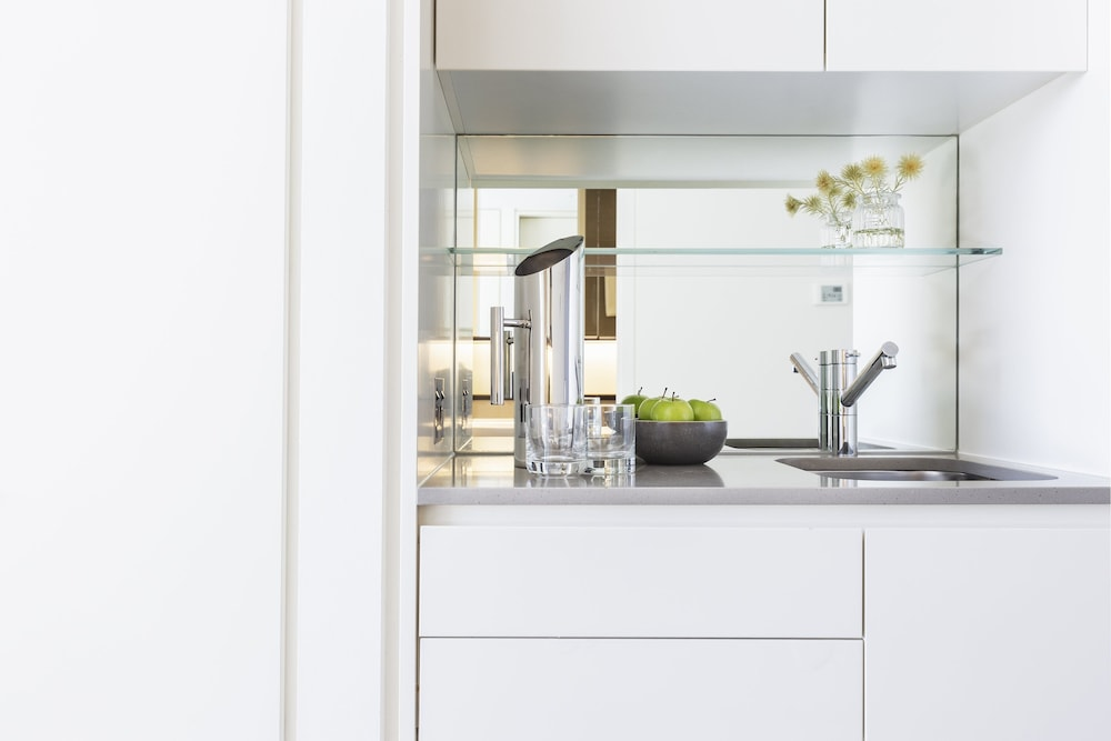 Private Kitchenette, Fraser Suites Sydney