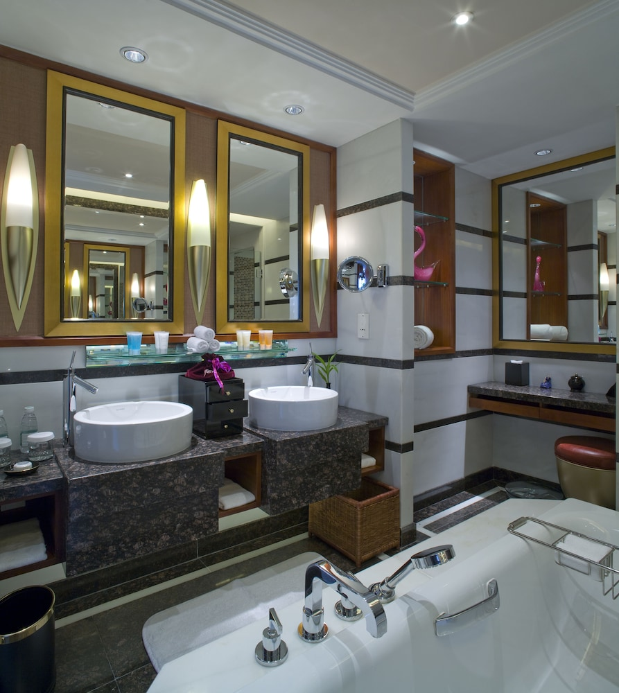 Bathroom, Kempinski Hotel Shenzhen China