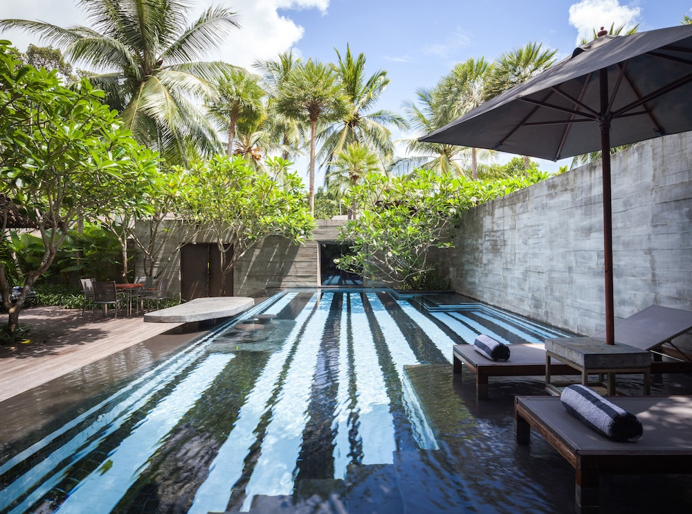 Private Pool, The Slate