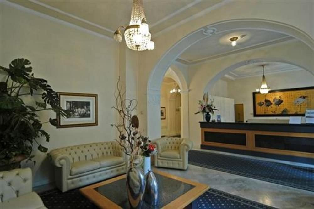 Reception, Grand Hotel Menaggio