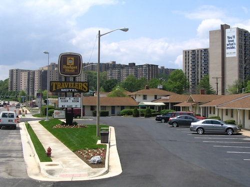 Check Expedia for Availability of Budget Host Travelers Motel