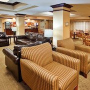 Holiday Inn Express Hotel & Suites River Park