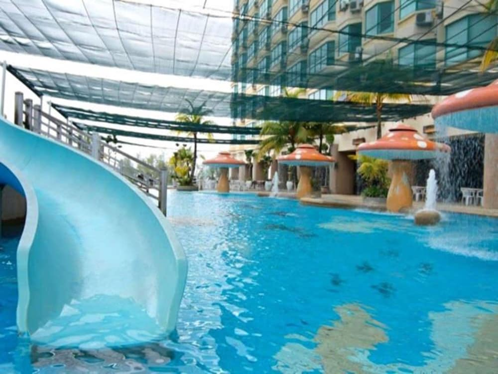 The gurney resort hotel residences george town mys for Gurney hotel penang swimming pool