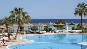 5 kolam renang outdoor