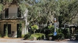 Hibiscus Coffee & Guesthouse - Santa Rosa Beach Hotels