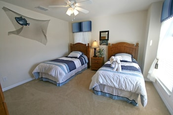 3 Bed Executive Private Pool Home - Guestroom