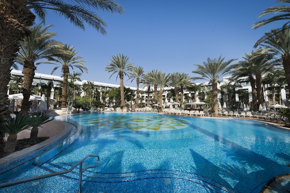 Outdoor Pool, Isrotel Agamim
