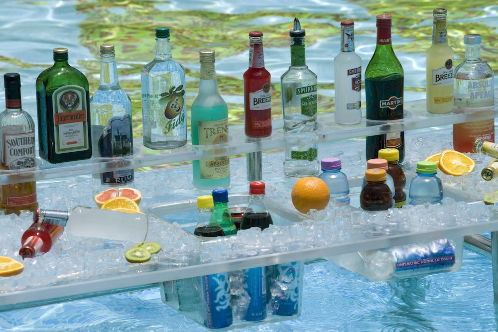 Poolside Bar, Isrotel Agamim