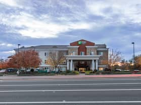 Holiday Inn Express Hotel & Suites Roseville-Galleria Area, an IHG Hotel