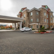 Holiday Inn Express Hotel & Suites Roseville-Galleria Area