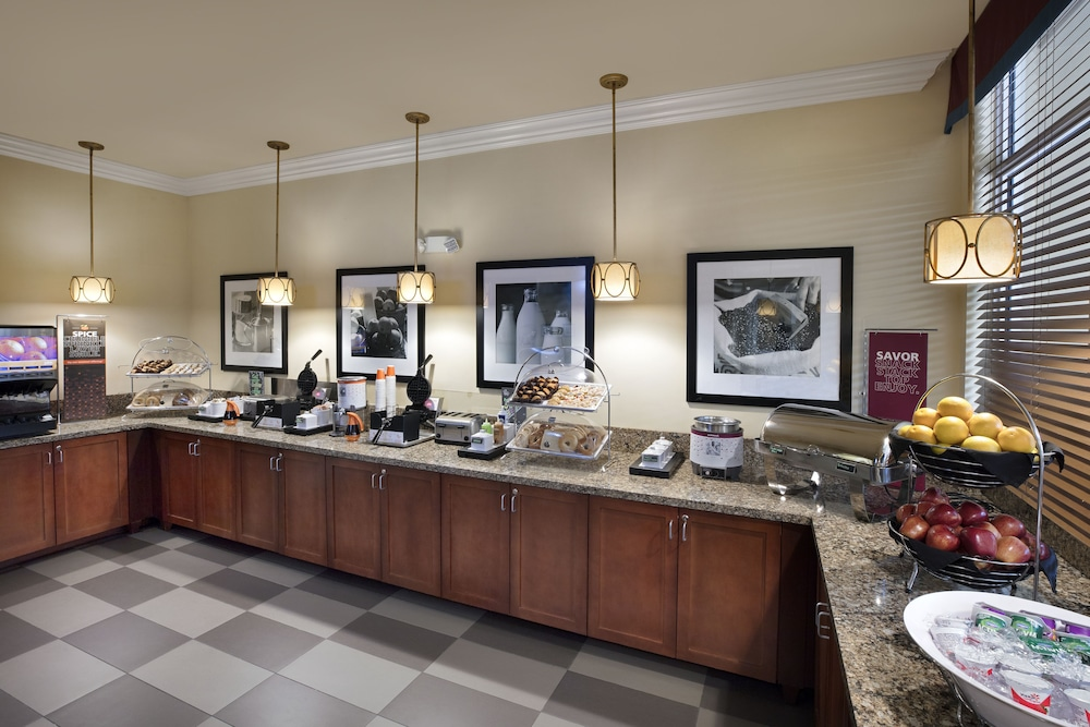 Breakfast Area, Hilton Garden Inn West Palm Beach Airport