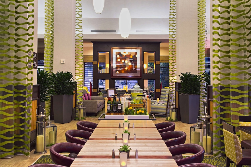 Restaurant, Hilton Garden Inn West Palm Beach Airport