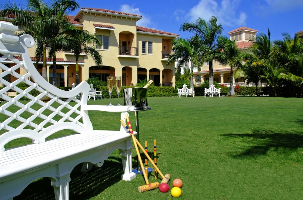 Sport Court, The Somerset on Grace Bay