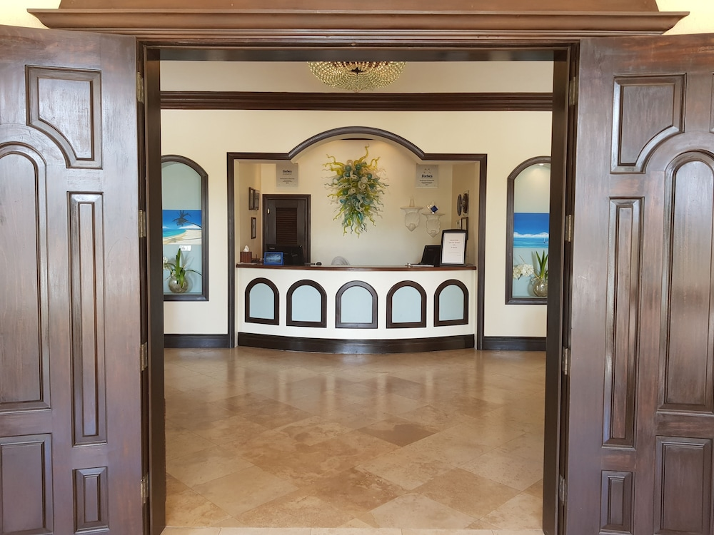 Interior Entrance, The Somerset on Grace Bay