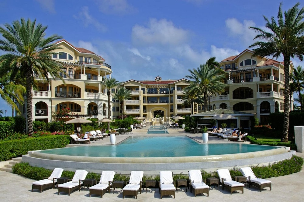 Exterior, The Somerset on Grace Bay