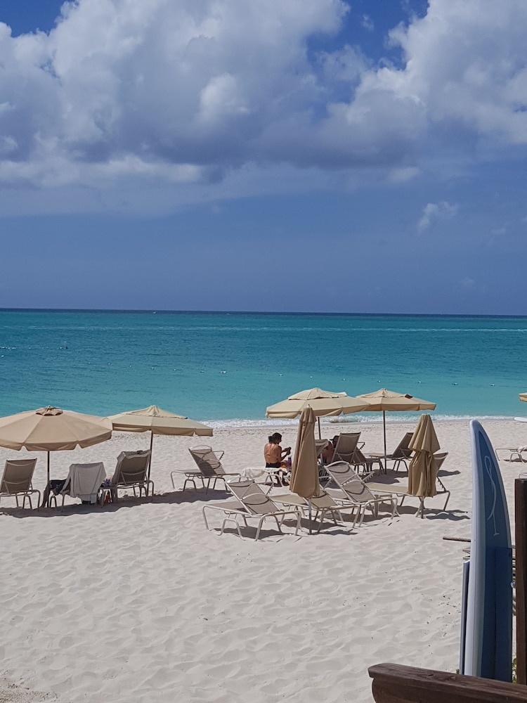 Property Amenity, The Somerset on Grace Bay