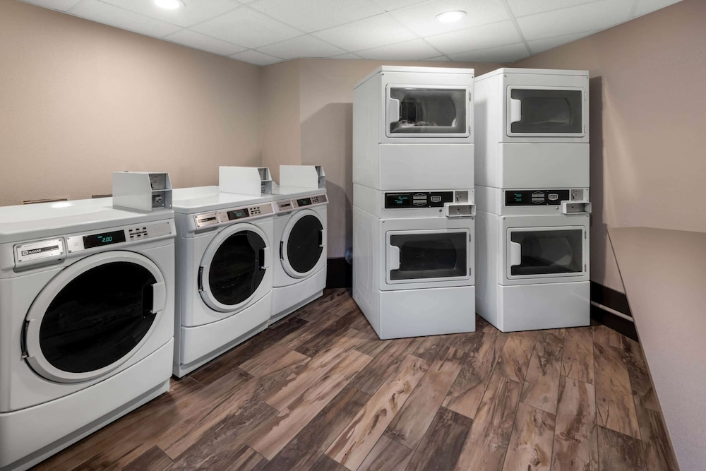 Laundry Room, La Quinta Inn & Suites by Wyndham Fairbanks Airport