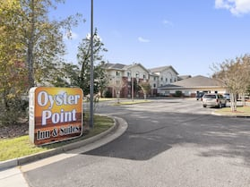 Oyster Point Inn & Suites Newport News