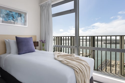 Auckland Harbour Suites
