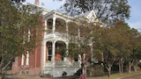 Baer House Inn - Vicksburg Hotels