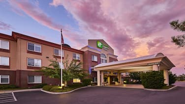 Holiday Inn Express Hotel & Suites Medford-Central Point, an IHG Hotel