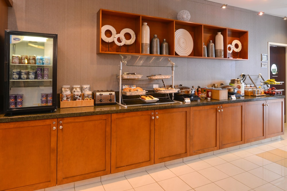 Breakfast Area, Springhill Suites by Marriott Pittsburgh Mills
