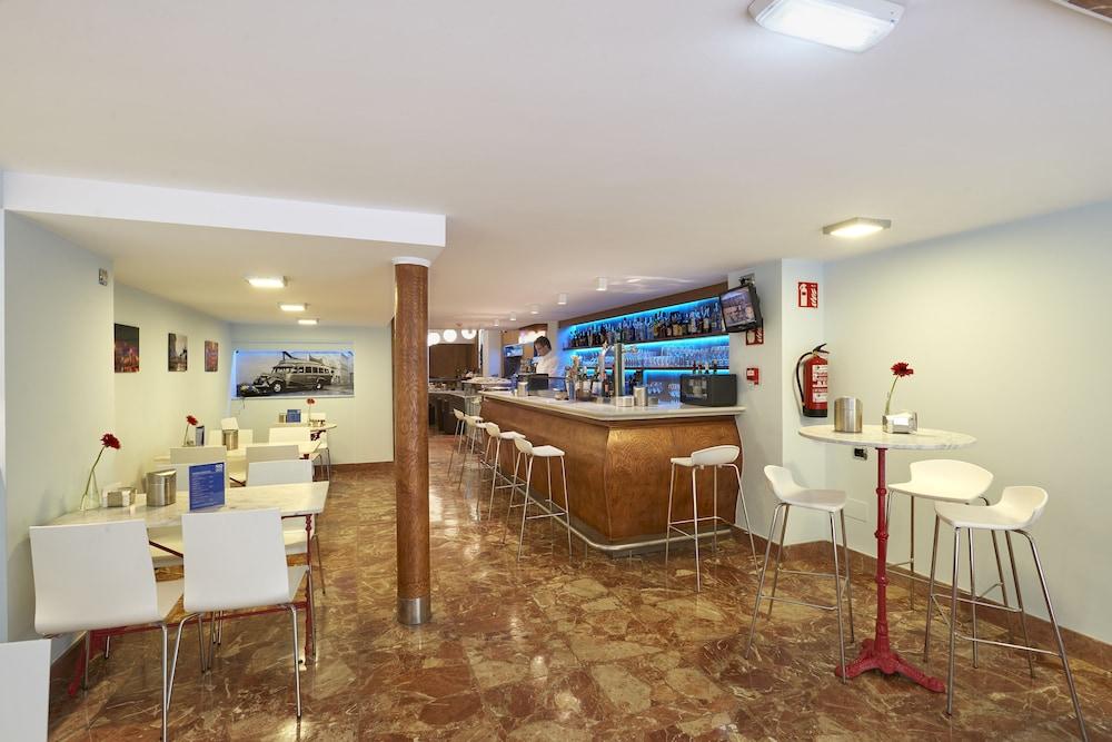 Bar de l'hôtel hotel 40 nudos