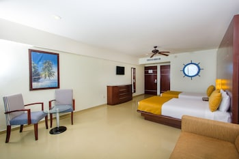 Deluxe Room, Partial Ocean View - Guestroom