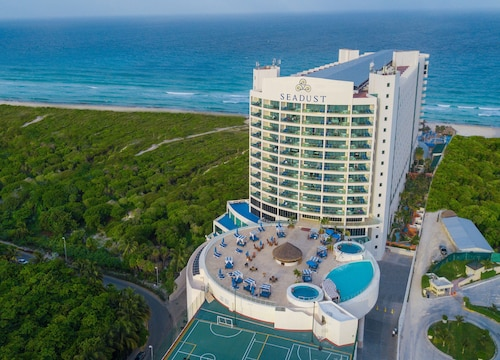 Seadust Cancún All Inclusive Family Resort
