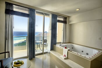 Club Room, Jetted Tub, Partial Ocean View - Jetted Tub