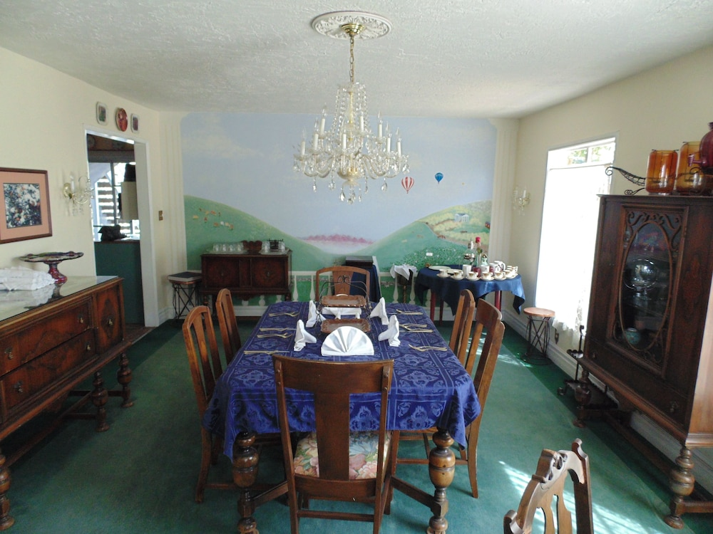 Dining, Plantation Bed & Breakfast