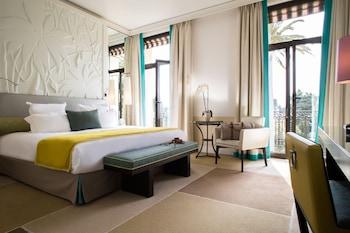 3 avenue Jean Monnet, 06230 Saint-Jean-Cap-Ferrat, France.
