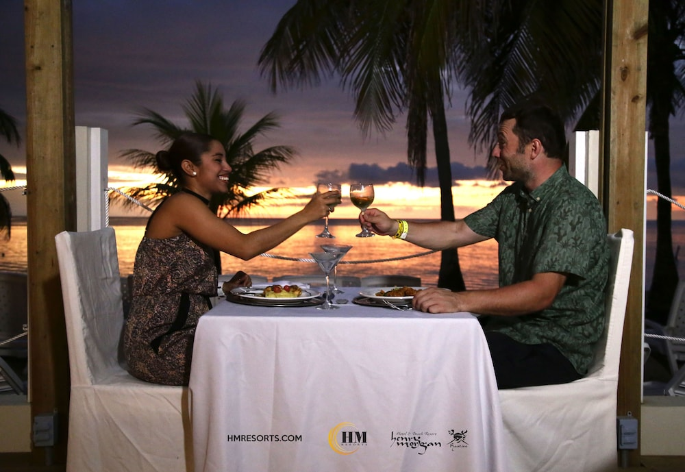 Couples Dining, Henry Morgan Resort - All Inclusive