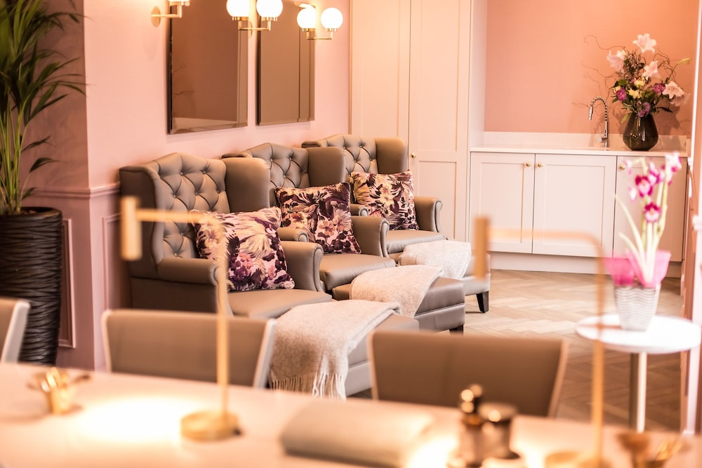 Nail Salon, The Montenotte Hotel