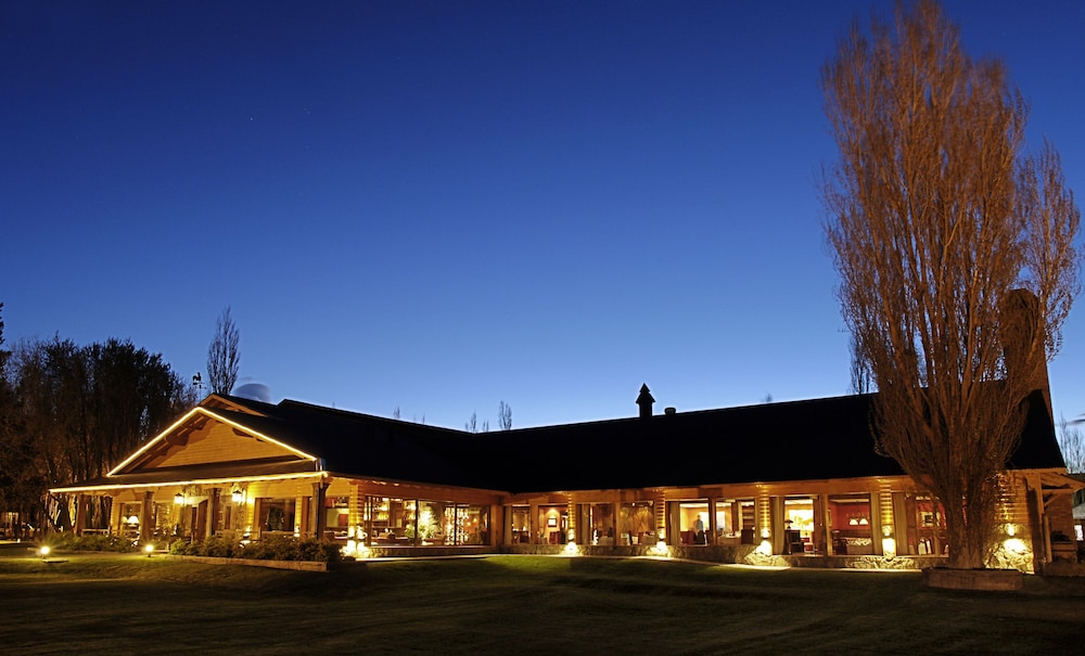 Hotel posada los alamos reviews photos rates for Design hotel el calafate