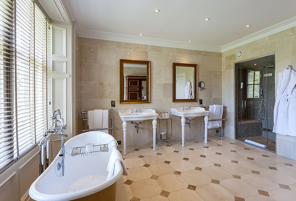Bathroom, Cromlix
