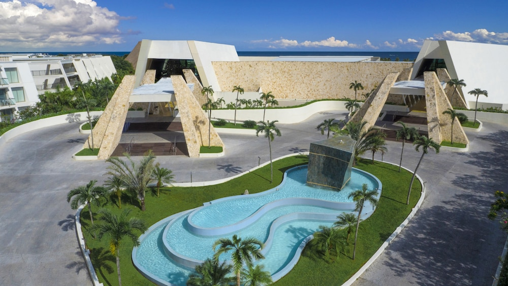 Front of Property, Grand Sirenis Riviera Maya Resort & Spa - All Inclusive