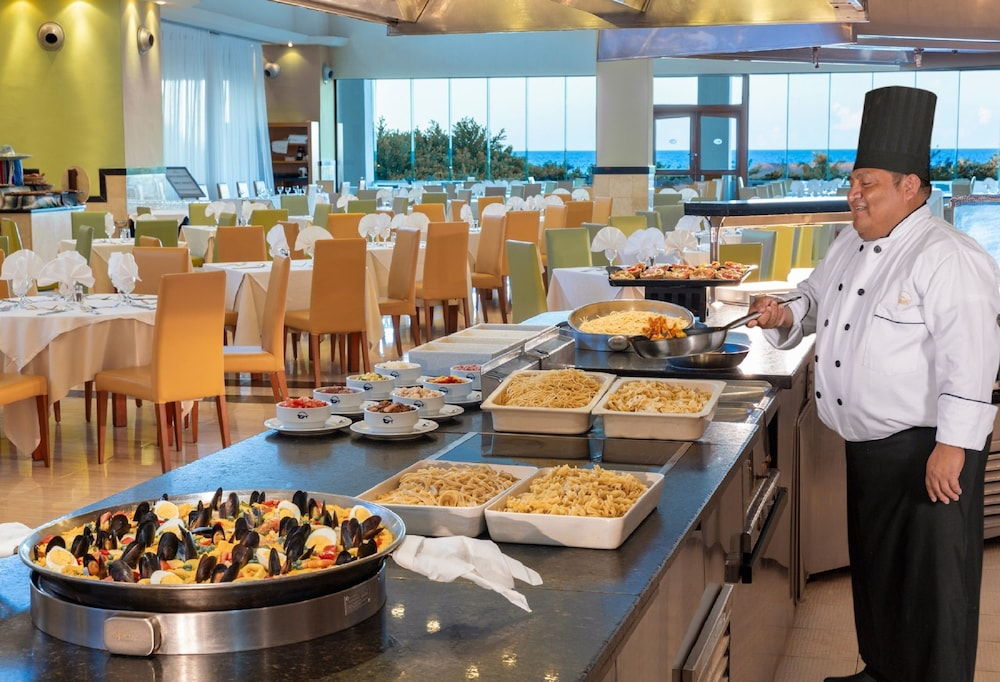 Buffet, Grand Sirenis Riviera Maya Resort & Spa - All Inclusive