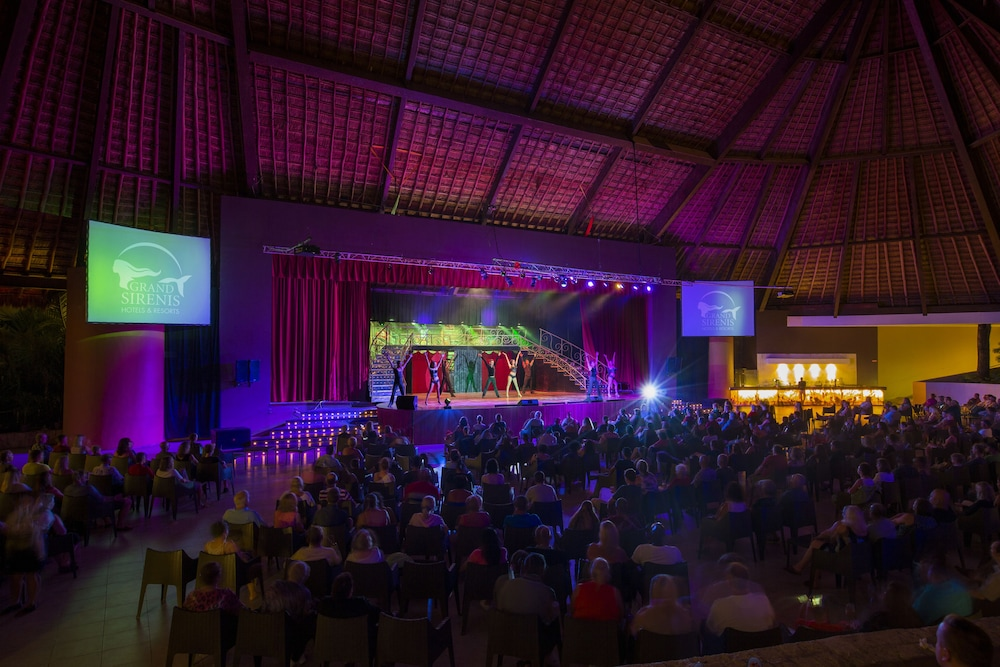 Theater Show, Grand Sirenis Riviera Maya Resort & Spa - All Inclusive
