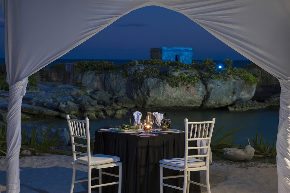Outdoor Dining, Grand Sirenis Riviera Maya Resort & Spa - All Inclusive